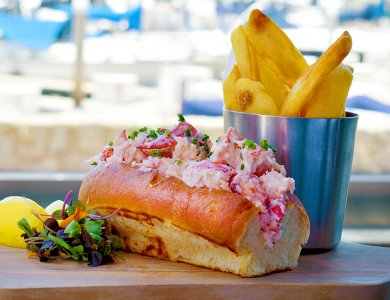photo of fresh lobster roll